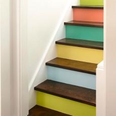 こんなところも塗ると楽しい!階段ペイント
