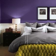 海外サイトから学ぶ!素敵な紫の壁の事例集
