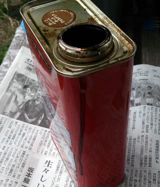 ステイン塗料缶-漏れ