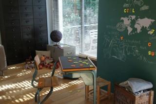 マグネット黒板と世界地図