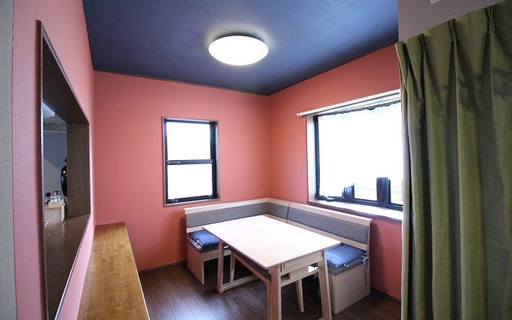 1faaef1aefaac 家の壁を、オシャレな壁、可愛い・カッコイイ壁など自分が憧れている部屋にDIYペイントできたら最高ですよね?! しかし、実現させるにも「塗る方法は?